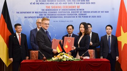 MOU between MoFA and FNF